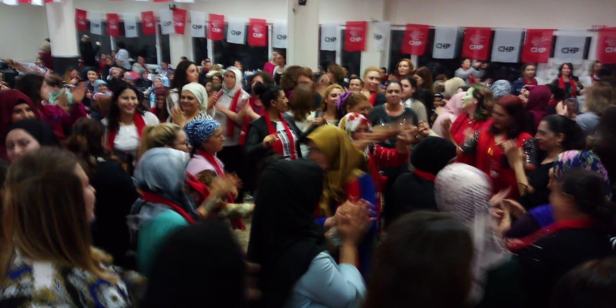 Cumhuriyet Kadınları Enez Belediye Düğün Salonuna sığmadı