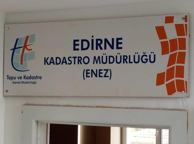 İpsala İlçesine taşınan Tapu Kadastro Müdürlüğünün Enez'de kalması isteniyor