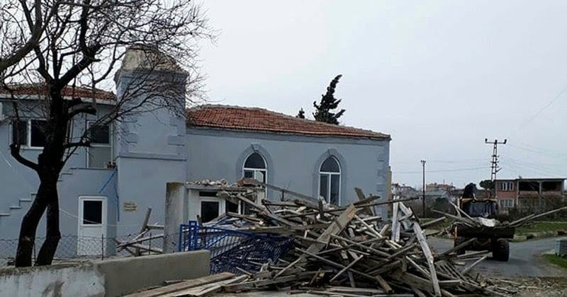 Sultaniçe Köyü Cami Minaresi Yıkılacak